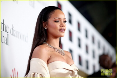 A superb Media Wall for Rihanna's Diamond Ball 2015
