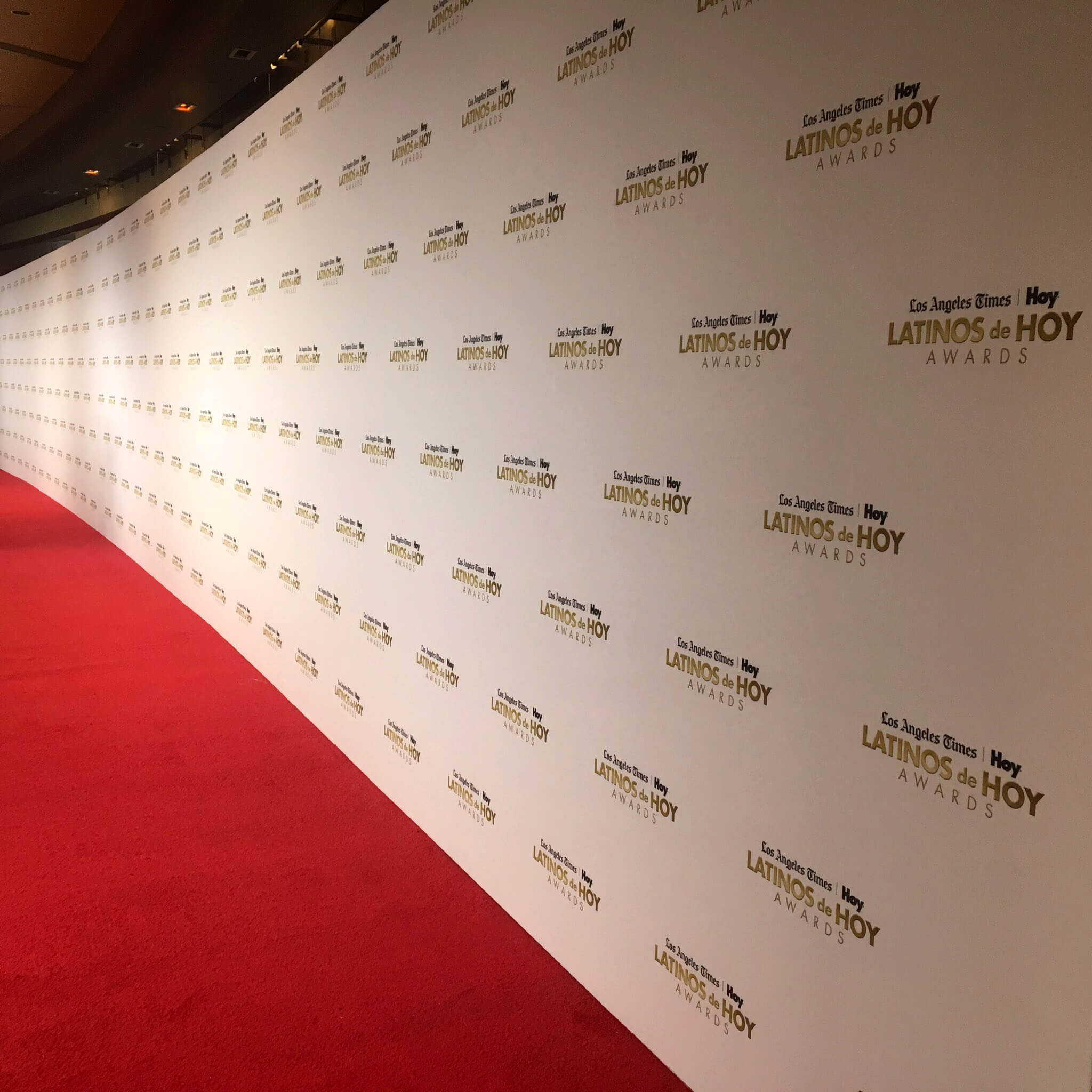 A massive Media Wall for the Latinos de Hoy Awards