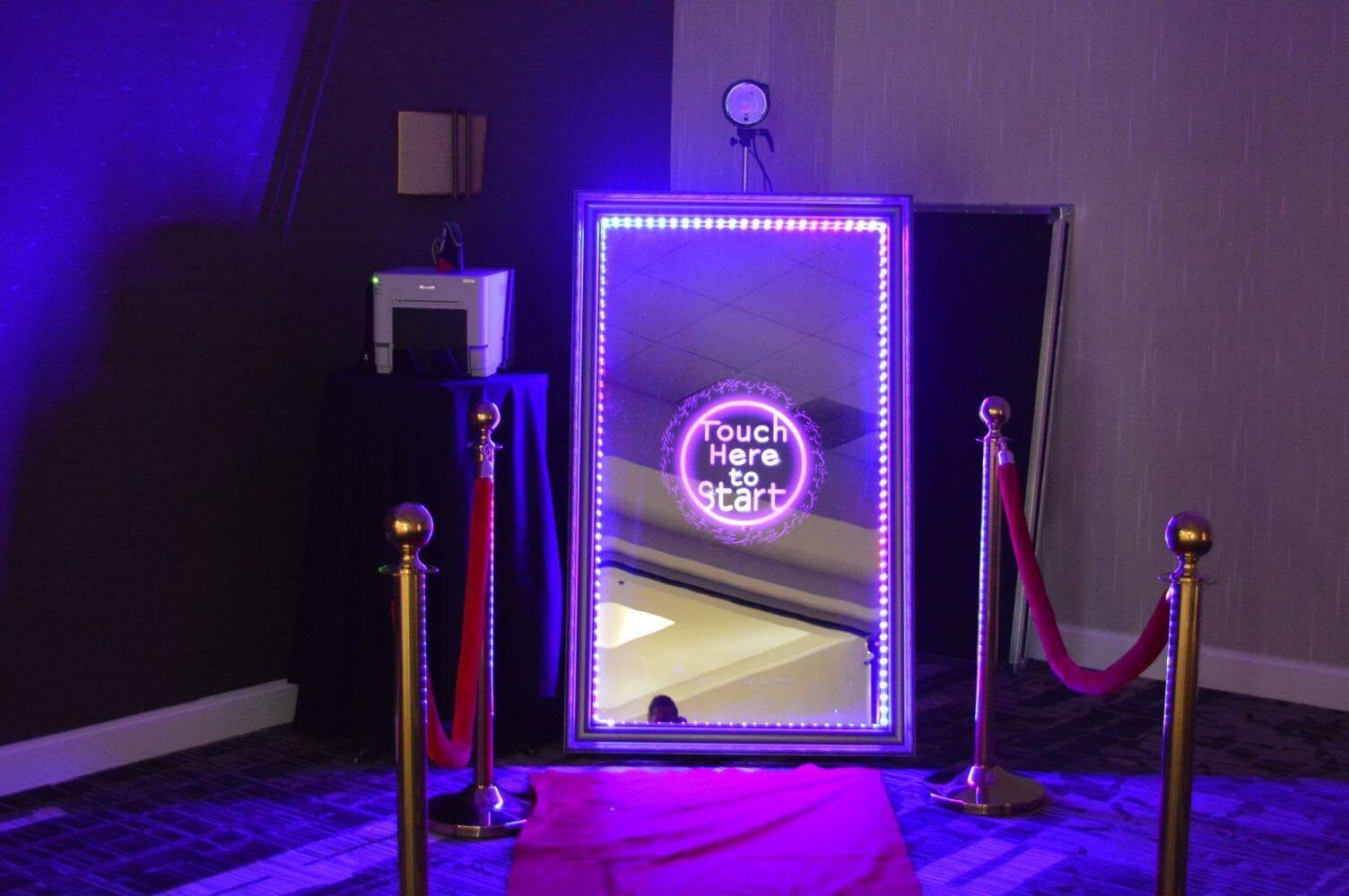 Magic Mirror Photo Booth – Step and Repeat LA
